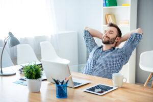Powernap, tupplur och siesta: Ska man sova på jobbet?